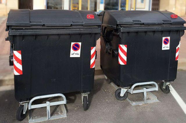 Minipuntos limpios y sujeta contenedores para garantizar la higiene de las ciudades