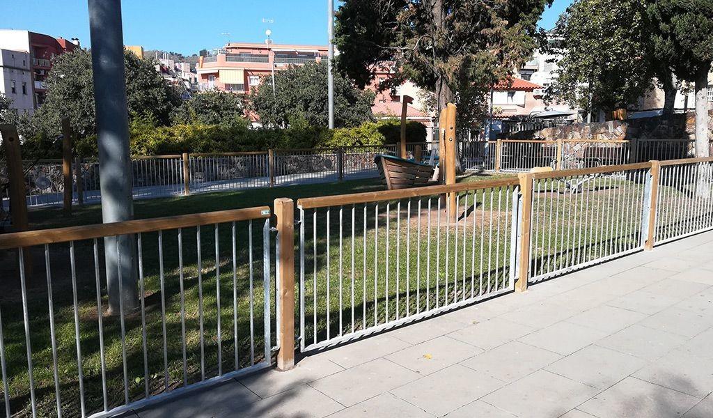 Vallado área infantil en Santa Coloma de Gramenet