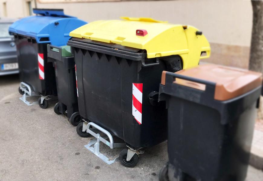 Subjecta contenidors de 1.100, 1.000 i 800 litres