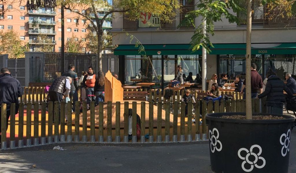 Cierre de la primera área infantil en la Superilla-Poblenou de Barcelona