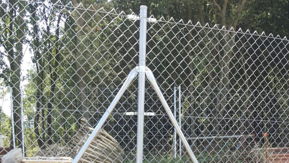 Instalación de vallas modelo simple torsión