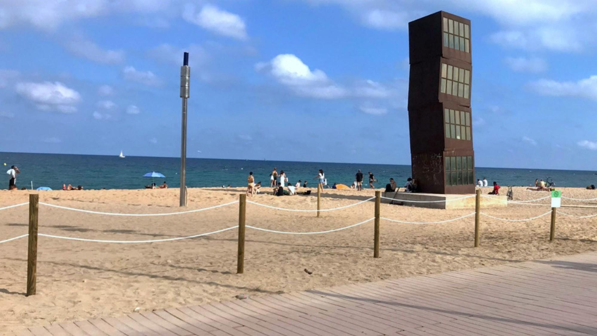 Tanques de fusta per a delimitar platges i prevenir nous contagis del covid-19